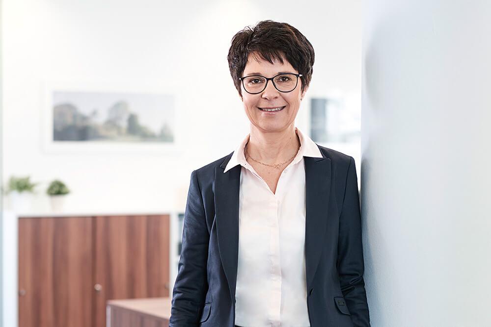 Dr. Marion Scharping